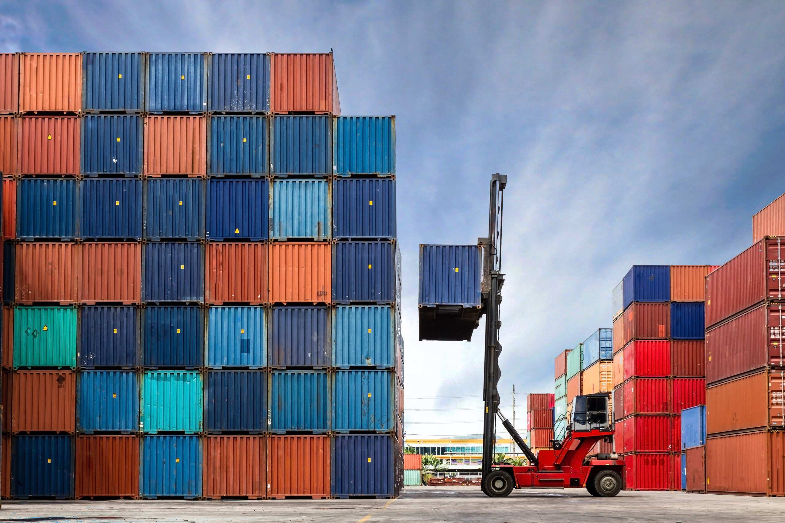 4 Ways to Cool Down a Shipping Container